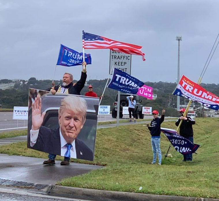 Flags4Trump Flag Waving @ Tavares SR 19